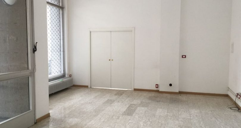 torino-sansalvario-negozio-localecommerciale-viamorgari-distasio (7)